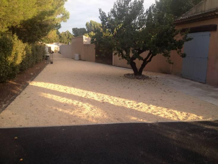 Am nagement exterieur d 39 une villa bouche du rhone service de goudronnag - Amenagement exterieur villa ...